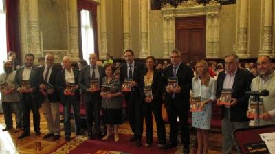 Presentado el libro 'Ursi, el escultor de la madera' que rinde homenaje al artista