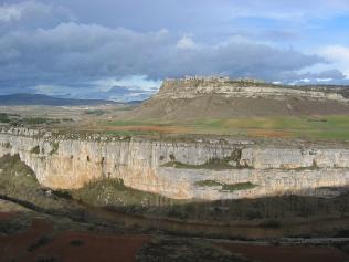 El conjunto arqueológico de la Edad del Bronce procedente de Cueva Tino (Mave) será la pieza del mes del Museo de Palencia