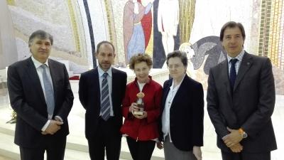 La presidenta de Gullón recibe el II Premio Extraordinario Benito Menni