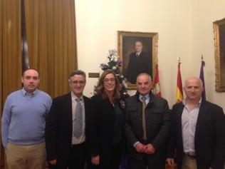 La Diputación se compromete a ayudar con una obra en la Casa del Médico de Respenda de la Peña