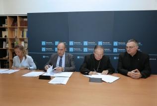 La Diputación y Obispado restaurarán 17 iglesias y ermitas de la provincia